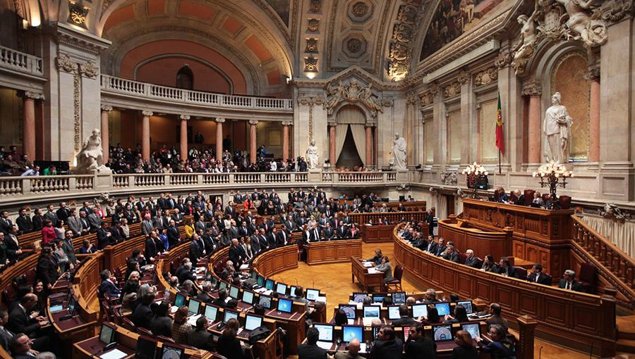 BE presenta proposta contra comissões bancárias abusivas